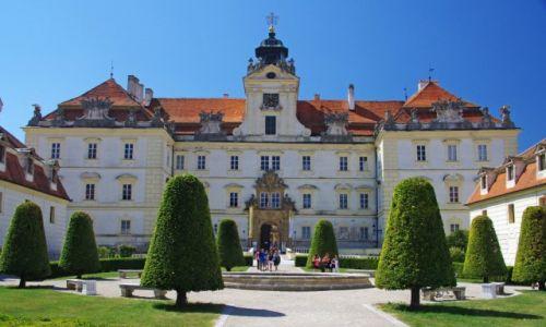 Zdjęcie CZECHY / Kraj południowomorawski / Valtice / Zamek
