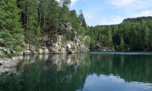 Zdjęcie CZECHY / Sudety / Adrszpaskie skały / Turkusowe jeziorko