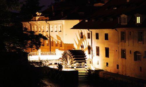 Zdjęcie CZECHY / Praga / Mała Strana / Młyn nad Certovką