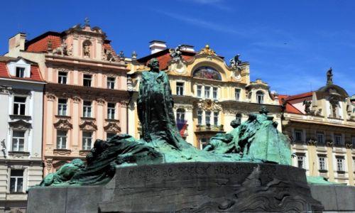 Zdjęcie CZECHY / Praga / Rynek Staromiejski / Pomnik Jana Husa