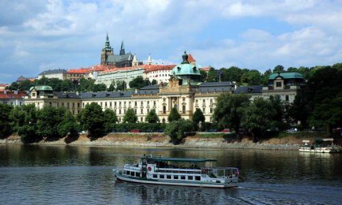 Zdjecie CZECHY / Praga / Nad Wełtawą / Widok na Hradczany