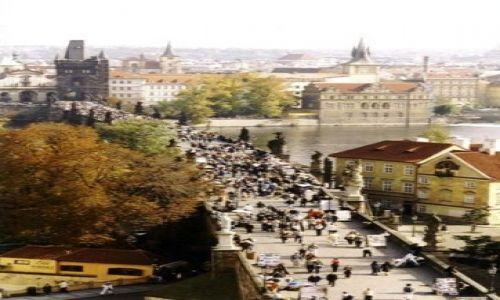 Zdjecie CZECHY / Praha / Most Karola / Widok na Wieże Mostowe Malej Strany