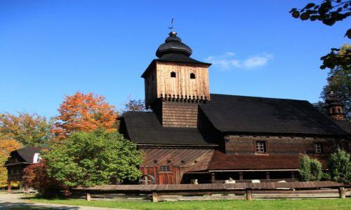 Zdjęcie CZECHY / Morawy /  Rożnov, Muzeum Wołoskie / Kościół św. Anny