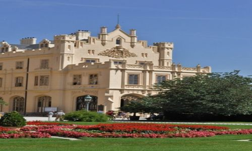 Zdjęcie CZECHY / Morawy / Lednice / Lednice, pałac