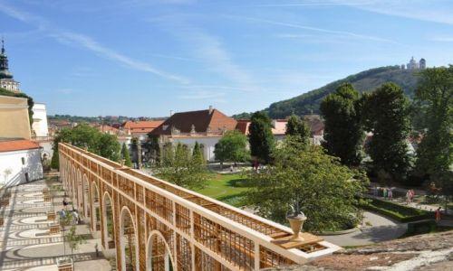 Zdjęcie CZECHY / Morawy / Mikulov / Mikulov, zamek, widok na ogród i panorama
