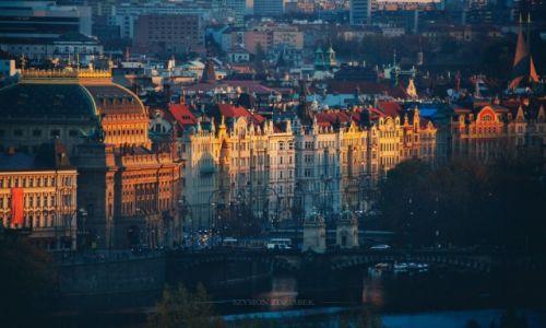 Zdjecie CZECHY / Praga / - / Światło