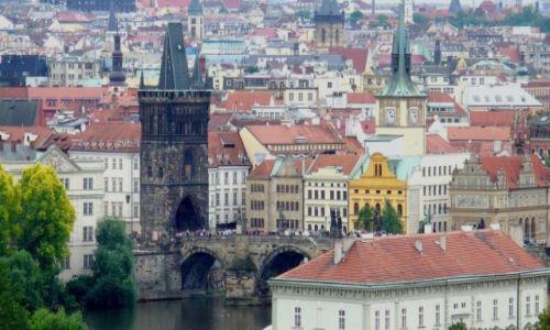 Zdjecie CZECHY / Praga / Praga / Widok na most Karolka