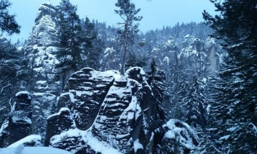 Zdjecie CZECHY / Góry Stołowe / Skalne Miasto-Adrspach / Zima