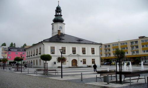 Zdjęcie CZECHY / Jesennik / Rynek / Ratusz w rynku