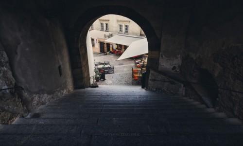 Zdjęcie CZECHY / Praga / Hradczany / Przejście