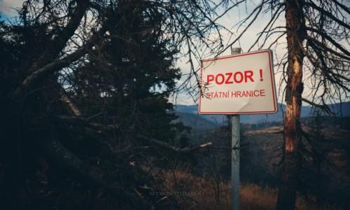 Zdjęcie CZECHY / Góry Kamienne / Szlak na Szpiczak / Pozor!