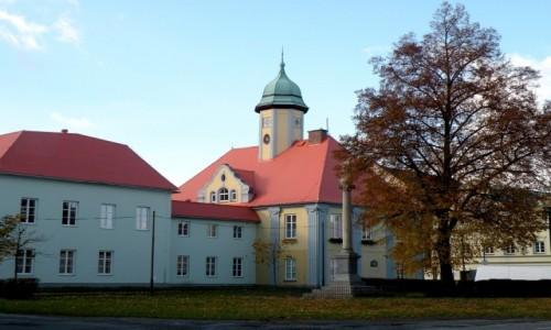 Zdjęcie CZECHY / Jeseniky / Javornik / Ratusz w miasteczku