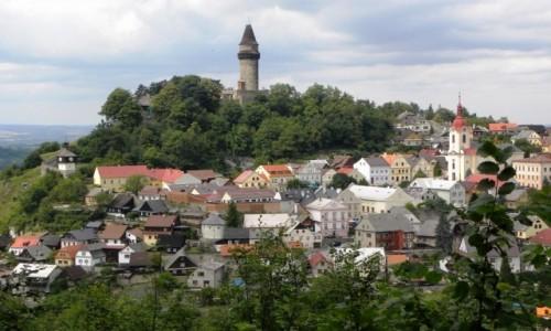 Zdjęcie CZECHY / Morawy / Stramberk / z widokiem na wieżę