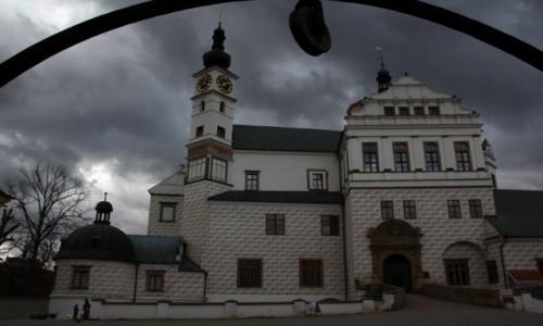 Zdjęcie CZECHY / Zachodnie Czechy / Pardubice / Zamek w kratkę