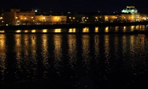 Zdjęcie CZECHY / Zachodnie Czechy / Praga / Światełka na Wełtawie