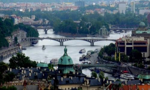 Zdjęcie CZECHY / Kraj środkowo czeski / Praga / Widok na Wełtawę