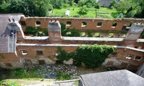 Zdjęcie CZECHY / Morawy Północne / Sovinec / Zniczczona część zamku po II wojnie św.