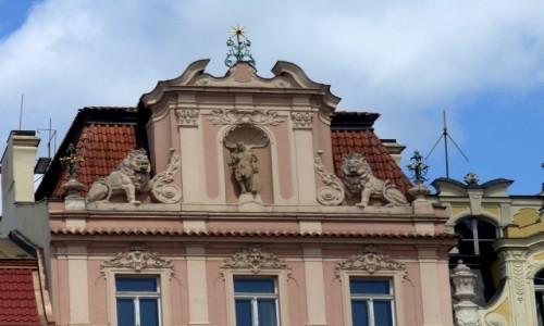 Zdjęcie CZECHY / Kraj Środkowo Czeski / Praga / Dom pod gwiazdą