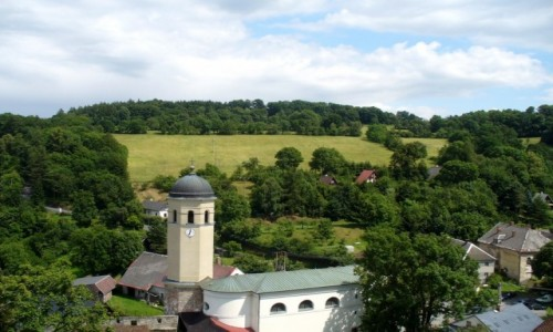 Zdjecie CZECHY / Morawy Północne / Sovinec / Widok z zamku na miejscowość