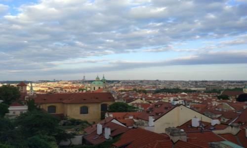 Zdjecie CZECHY / zachód Czech / Praga / Niebo nad Pragą
