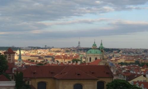 Zdjecie CZECHY / zachód Czech / Praga / O zachodzie slońca nad Pragą
