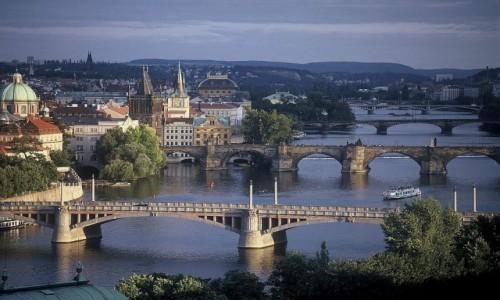 Zdjęcie CZECHY / Kraj środkowo czeski / Praga / Mosty na Wełtawie