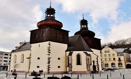 Zdjęcie CZECHY / Kraj Hradecki / Nachod / Kościół św.Wawrzyńca z XIV wieku