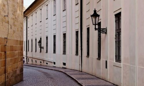 CZECHY / Kraj środkowoczeski / Praga / Praskie uliczki