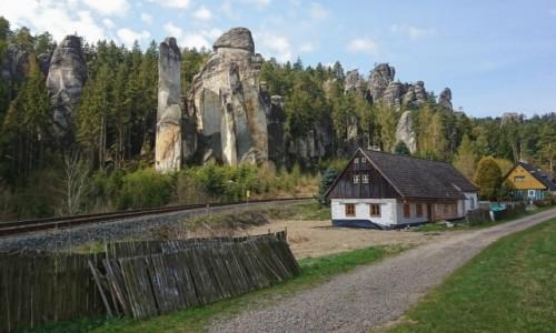 Zdjecie CZECHY / Kraj kralovohradecki / Adrspach / Jeszcze raz czeskie klimaty