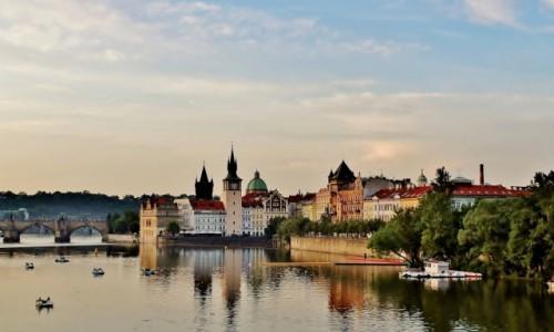 CZECHY / Kraj środkowoczeski / Praga / Nad Wełtawą