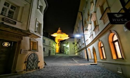 Zdjecie CZECHY / Morawy / Ołomuniec / Ołomuniec nocą