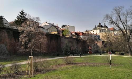 Zdjecie CZECHY / Morawy / Ołomuniec / Za murami miasta