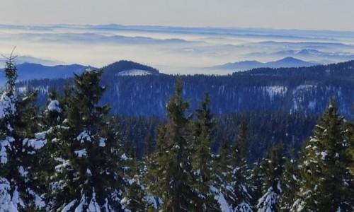 Zdjecie CZECHY / kraj Morawsko- Śląski / Mala Moravka, okolice / Okoliczne góry i chmury
