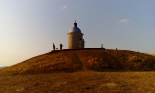 Zdjęcie CZECHY / Morawy Południowe / Velké Bílovice / Kaplica w pobliżu miasta Velké Bílovice