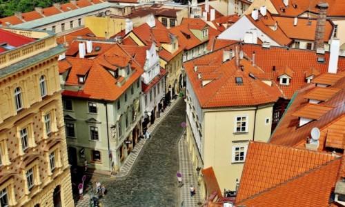 Zdjecie CZECHY / Kraj środkowoczeski / Praga / Praska uliczka