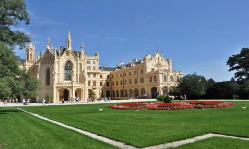 CZECHY / Morawy / Lednice / Lednice, pałac