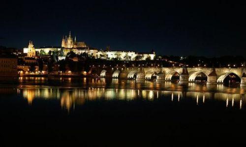 Zdjęcie CZECHY / brak / Praga / Hradczany noca