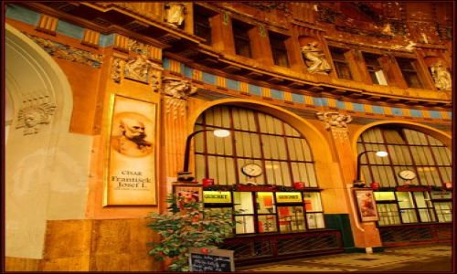 Zdjecie CZECHY / brak / Tu si� czuje ducha Austro-W�gier! / Dworzec w Pradz