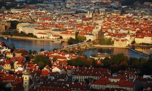 Zdjecie CZECHY / brak / Praga / Widok na Wełtawę i stare miasto