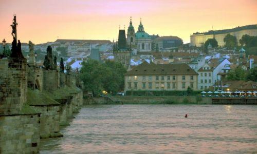 Zdjecie CZECHY / - / Praga / Praga wieczorem