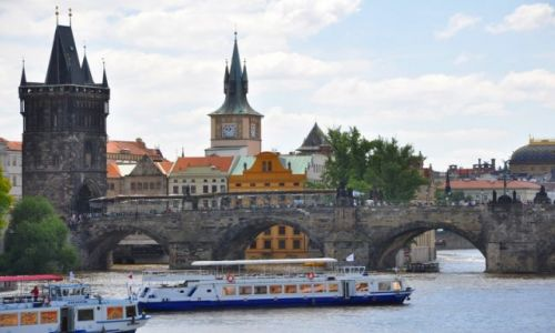 Zdjecie CZECHY / - / Praga / Widok na Most Karola