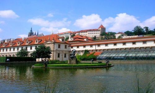 Zdjecie CZECHY / Czechy Środkowe / Praga / widok na Hradczany