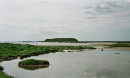 Zdjecie DANIA / Fiord morza Polnocnego w Roskilde, Na Zelandii w Danii / tajemnicza niby wysepka - a niby polwysep wylaniajacy sie na wschodniej stronie wybrzeza f / fiord w Roskilde i tajemnicza wyspa