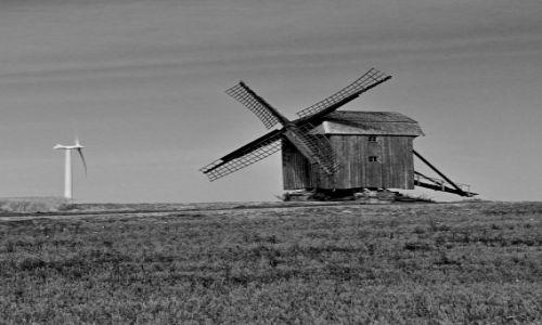 Zdjęcie DANIA / Zelandia / przy drodze... / Technologia przeszła długą drogę, a wiatr przy drodze nadal ten sam.