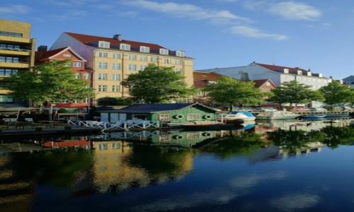 Zdjęcie DANIA / Kopenhaga / Christianshavns Canal  / W lustrze wody