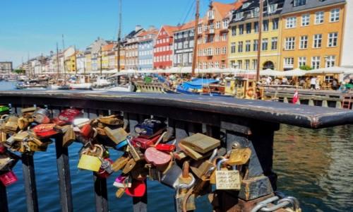 Zdjęcie DANIA / Kopenhaga / Nyhavn / Kłódki miłości