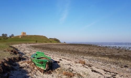 Zdjecie DANIA / Środkowa Jutlandia  / Zatoka Kalo Vig / Ruiny zamku  Kalo