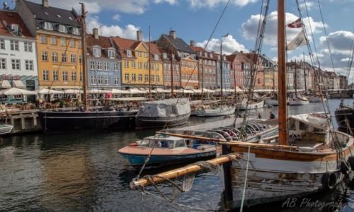 DANIA / Zelandia / Kopenhaga / Kanał w Kopenhadze