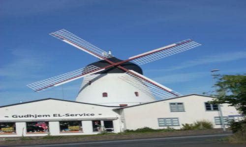 DANIA / Bornholm / Gudhjem / Bornholm. Wiatrak w Gudhjem