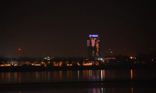 Zdjecie DEMOKR. REPUBLIKA KONGA / Stolica / Kinszasa / Miasto nocą